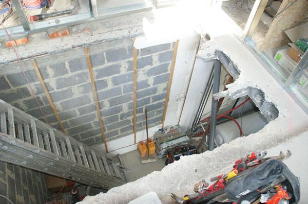 Foto 39 s van een zolderrenovatie op maat jema project bvba for Trapgat maken